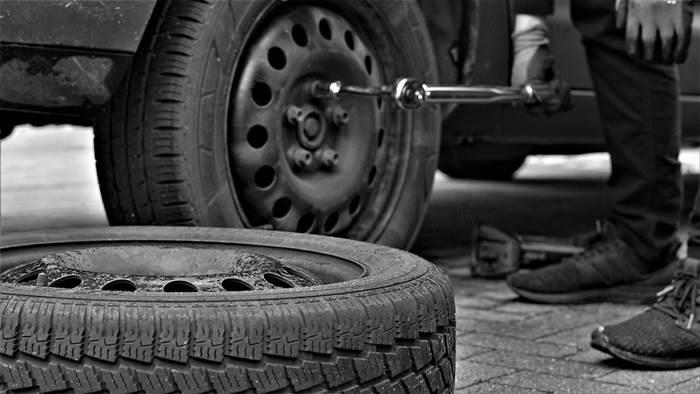 Ремонт шин, замена колеса